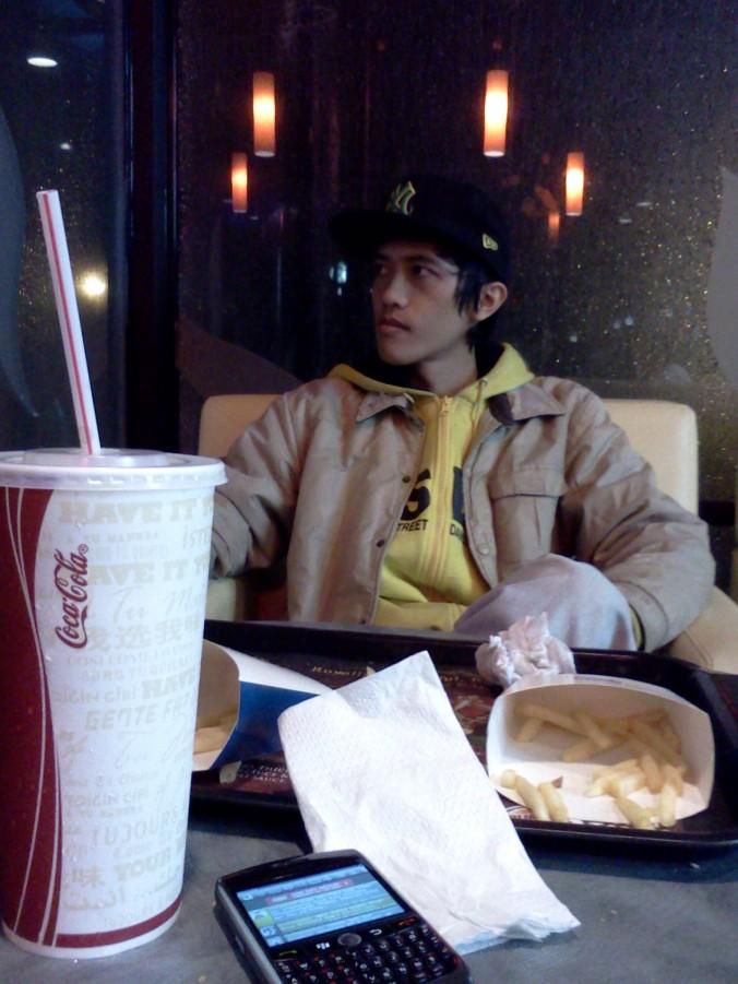 Muhammad Ghanoz Ghazali at Burger King, PVJ Bandung.